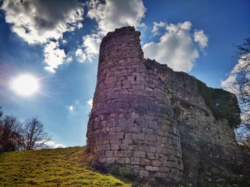Un air de Printemps sur le château de Montferrand